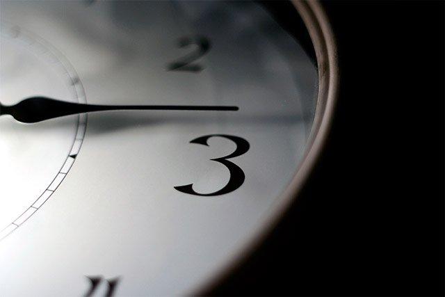 ¿Cobrar por proyecto o por hora/día?